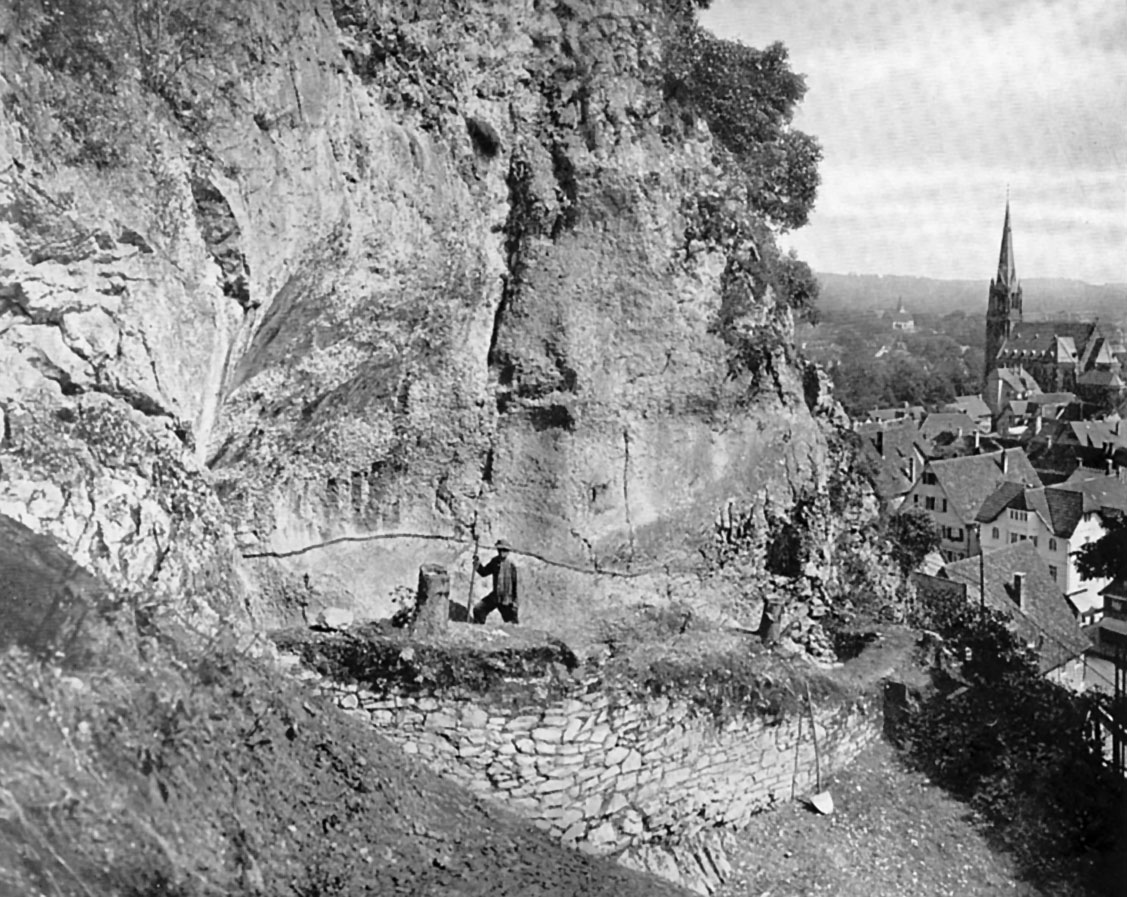 Heidenschmiede during the 1930 excavation